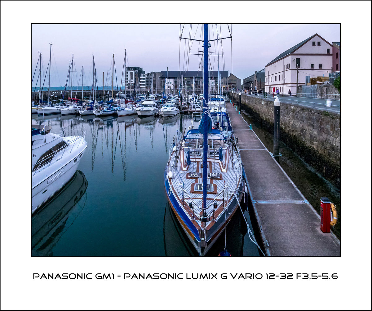 Panasonic GM1 - Panasonic G Vario 12-32 f3.5-5.6