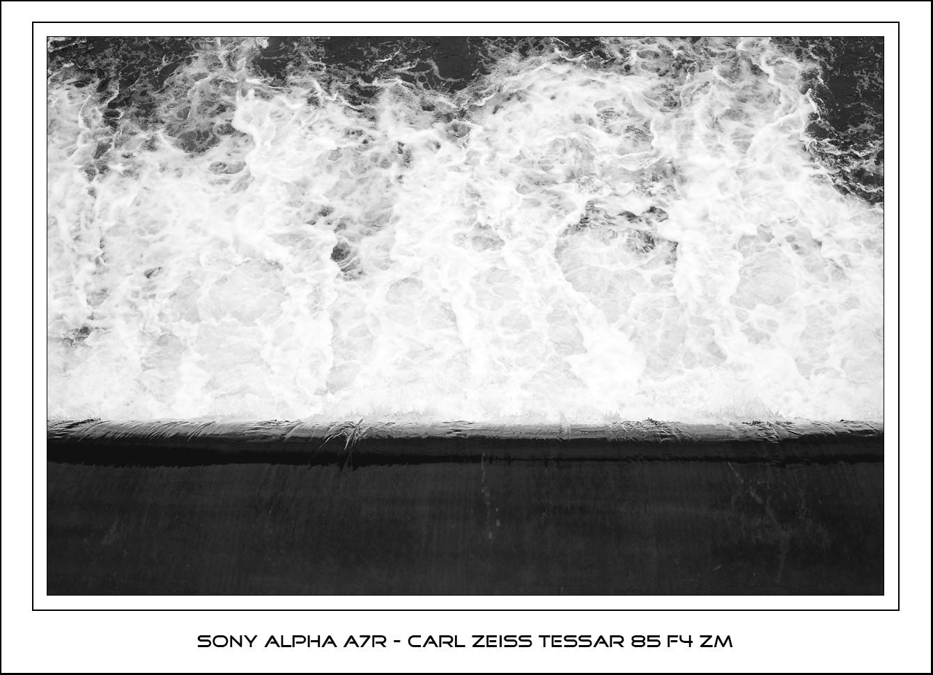 Sony A7R - Zeiss Tessar 85mm f4 ZM lens